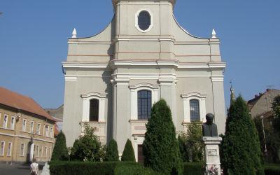 Szatmárnémeti, Béke tér, református templom (Láncos templom) előtti tér (Lakatos Pál Sándor, 1991, bronz)