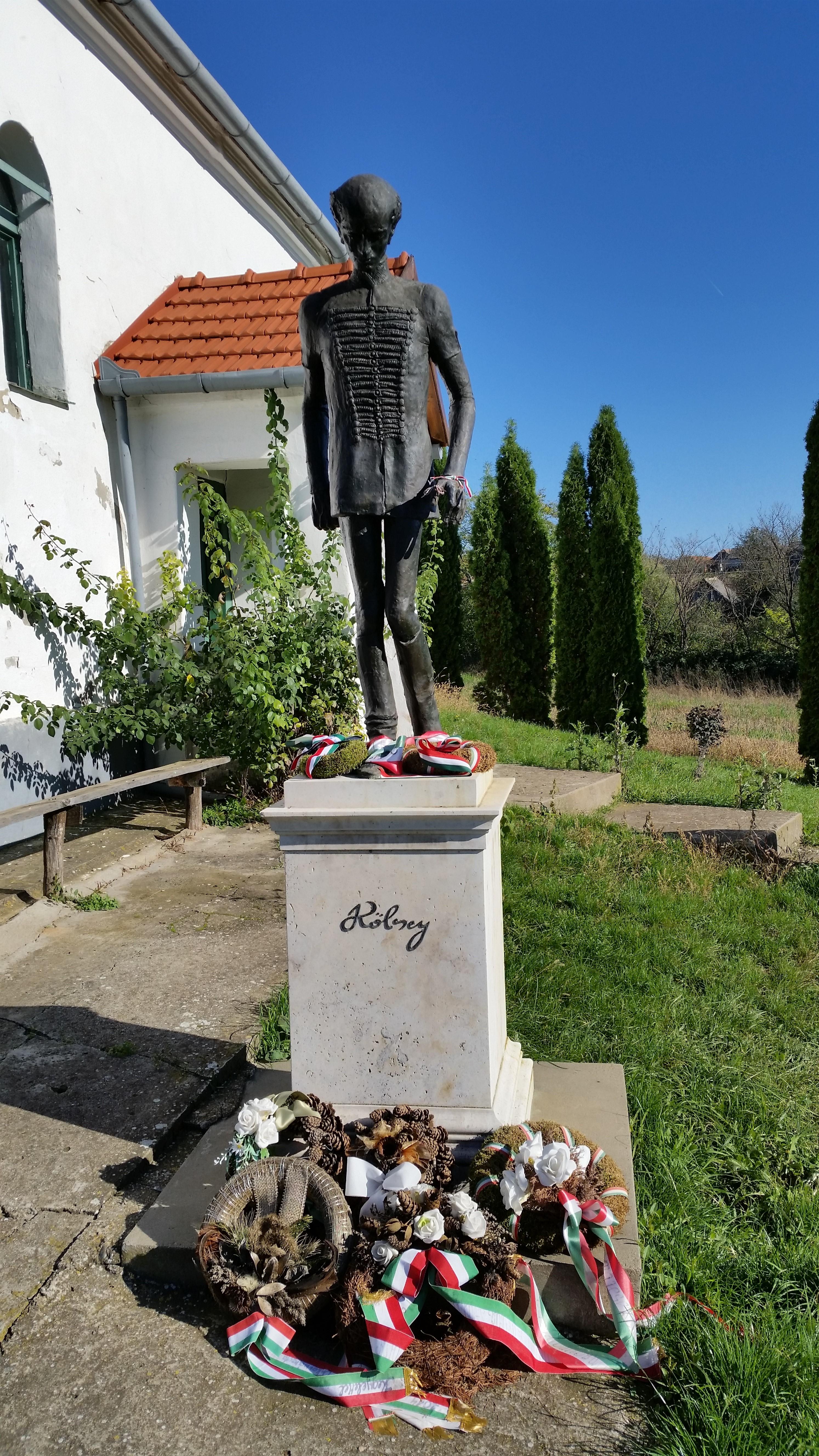 A sződemeteri Kölcsey szobor