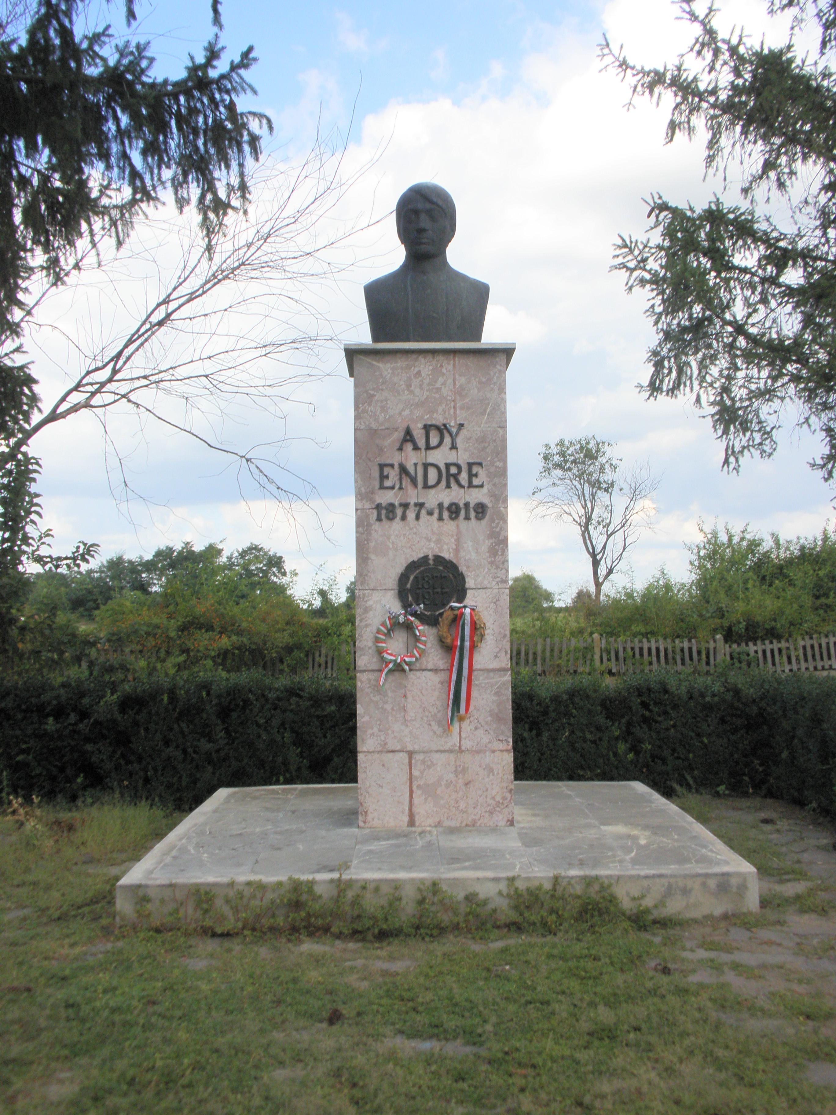 Fekete József Ady mellszobra