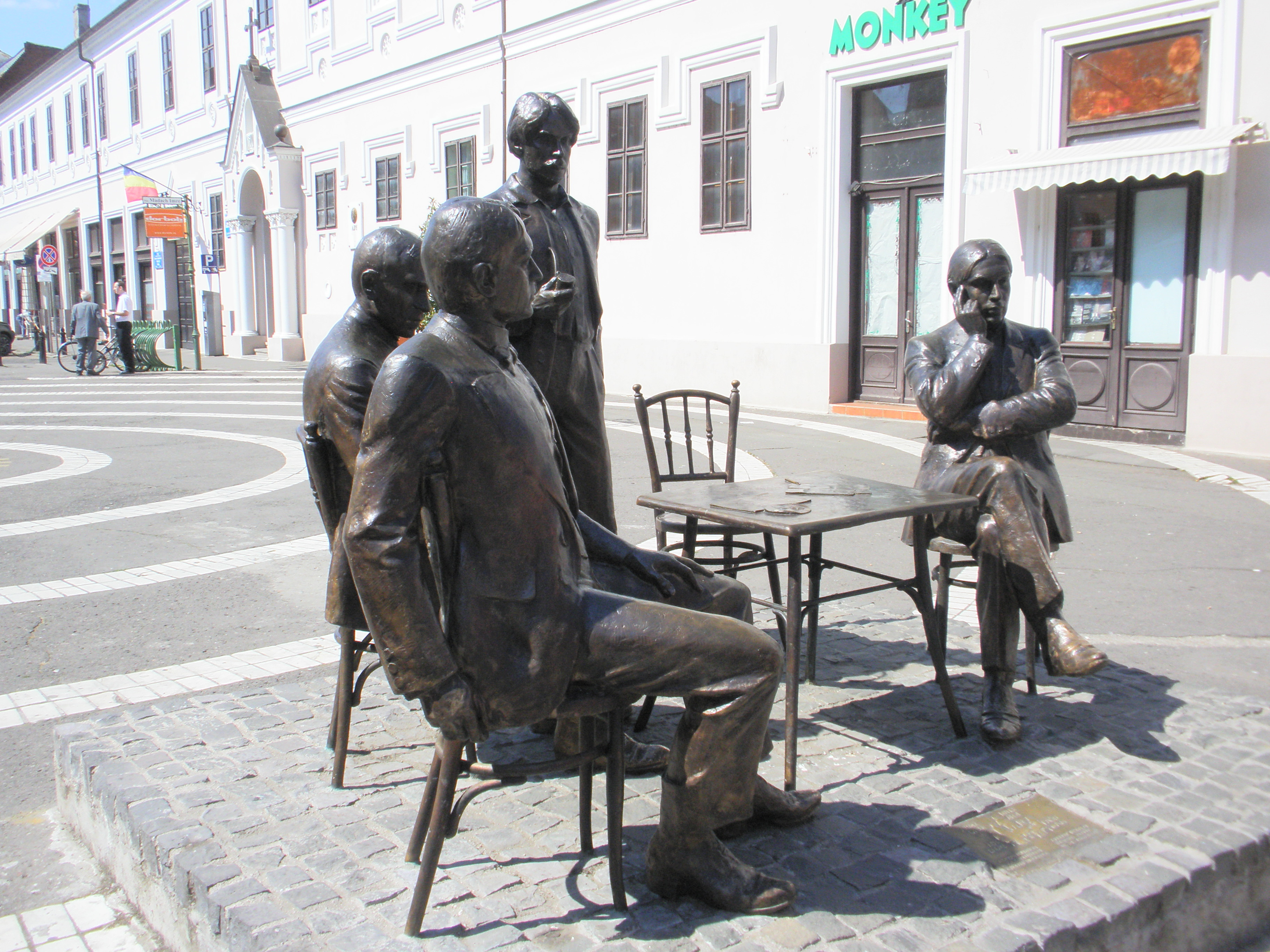 Nagyváradi szoborcsoport a Holnap Irodalmi Társaság alapító tagjairól