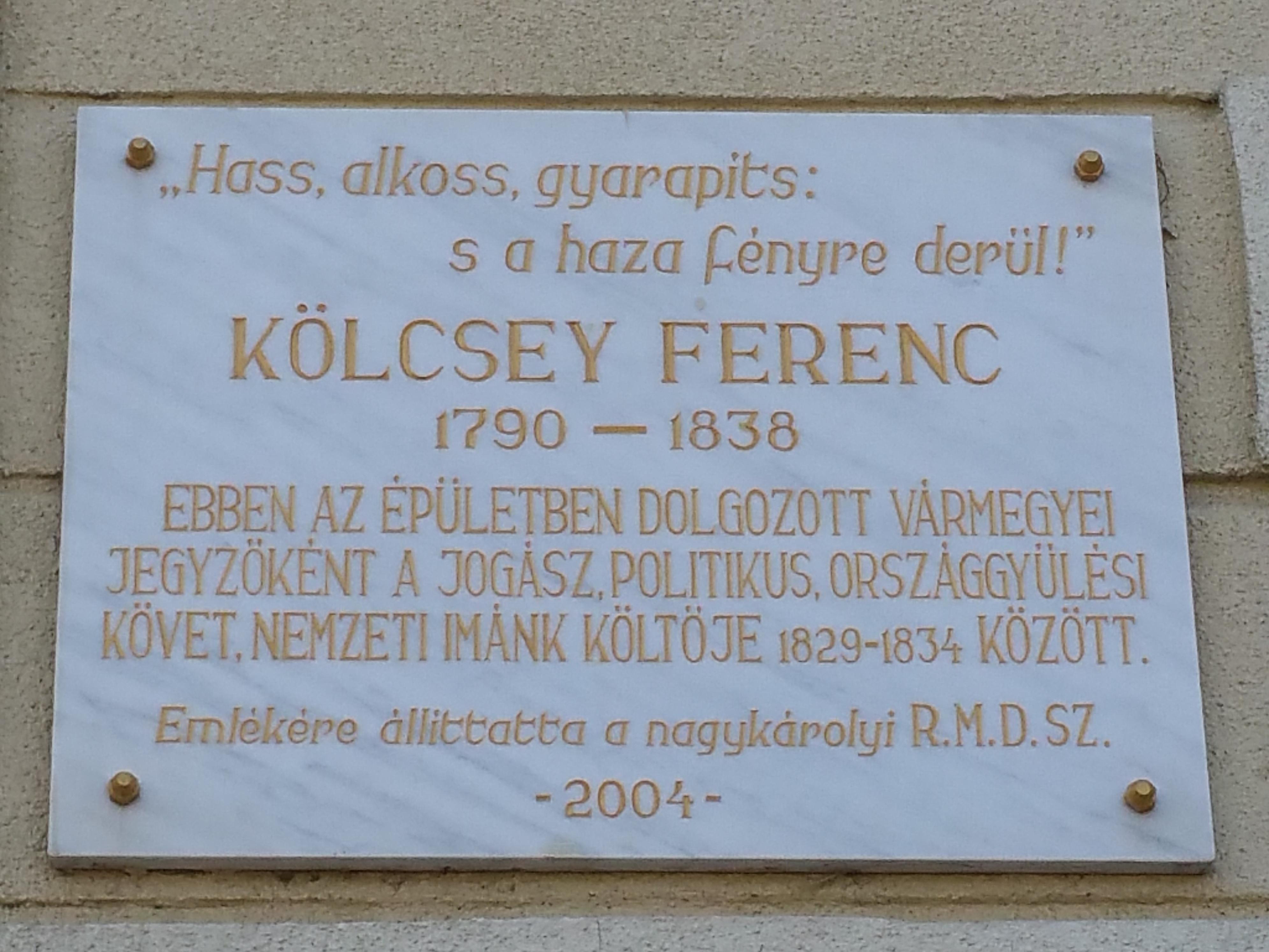 Emléktábla a régi Vármegyeháza falán