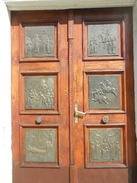 A Szent László-templom kapuja