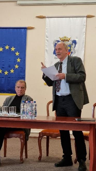 Győri L. János irodalomtörténész, tanár, igazgató