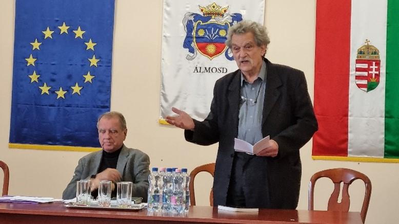 Szabó Zsolt irodalomtörténész, főszerkesztő