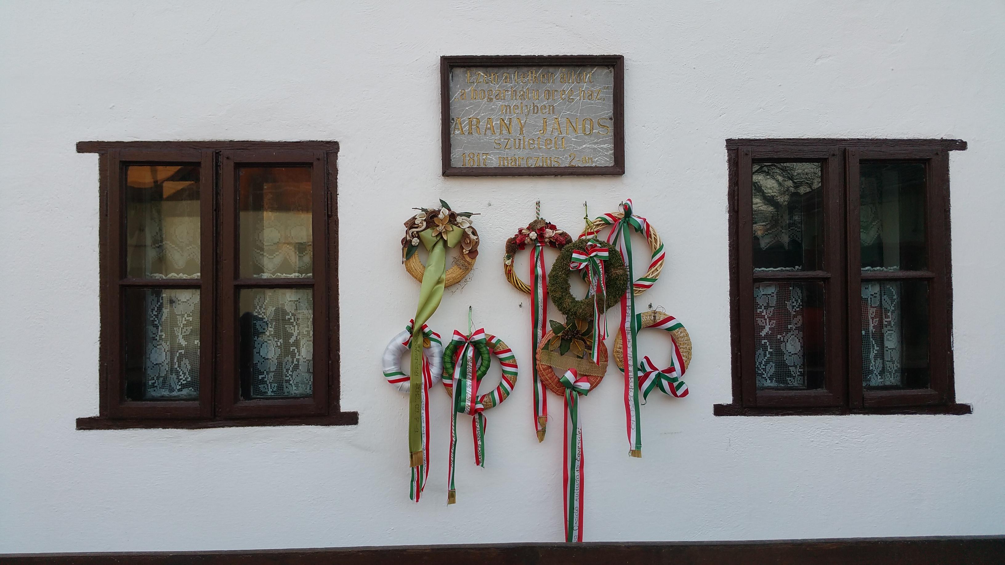 Az 1909-ben készült emléktábla a ház falán