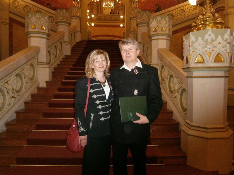 Smídt Róbert és felesége a Parlamentben