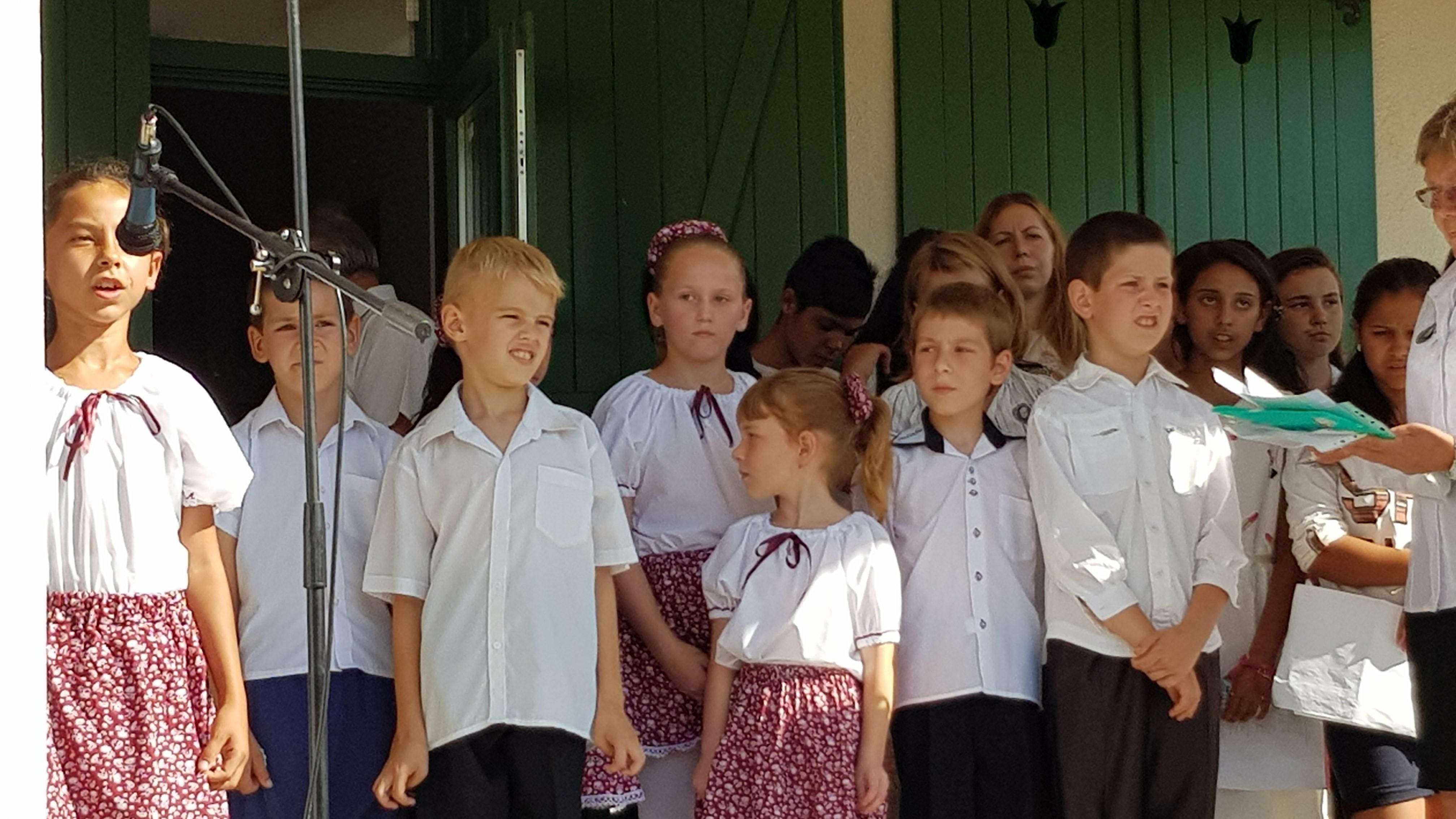 Pelekeszi általános iskola diákjai