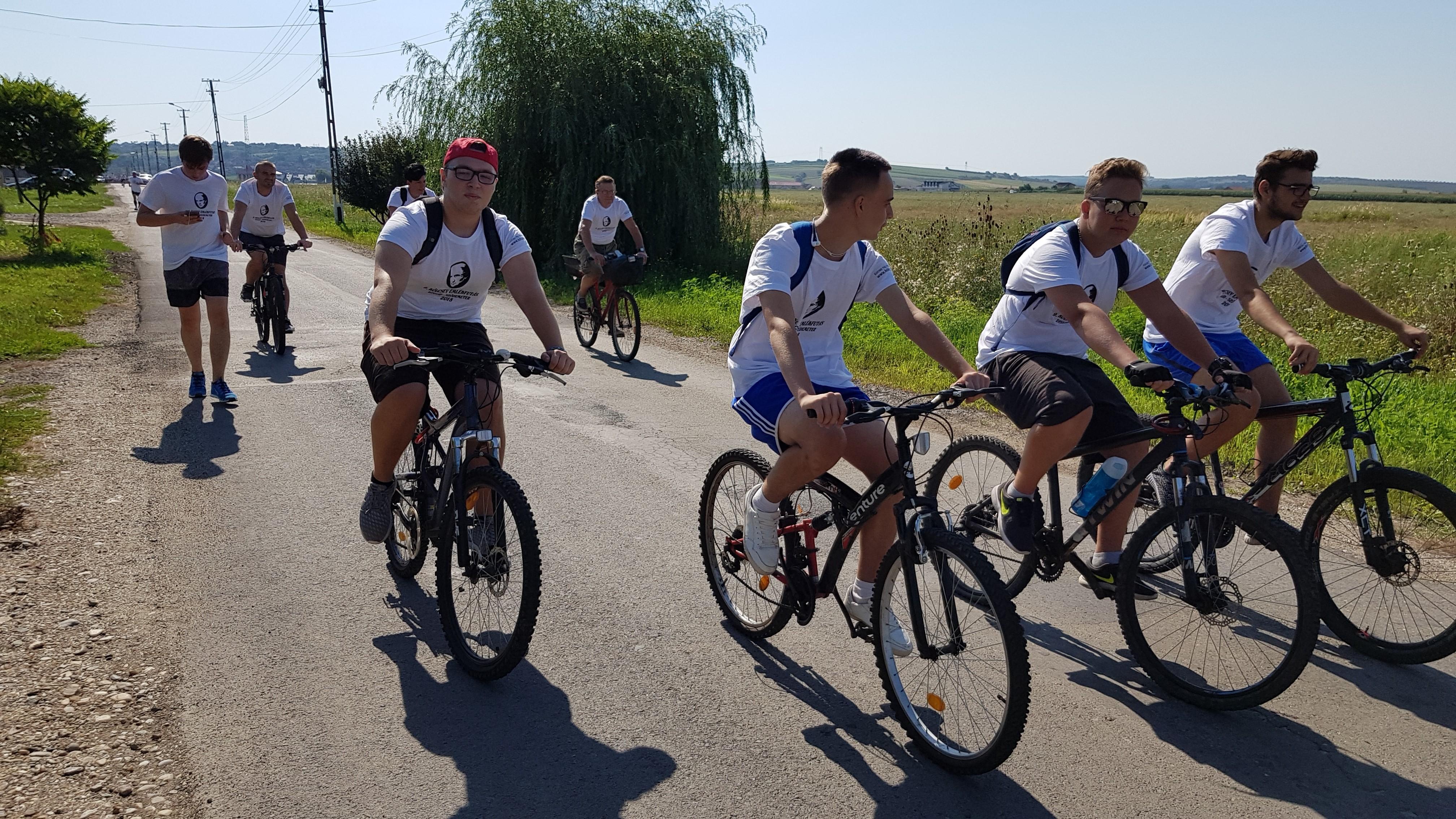 A biciklisek egy csoportja