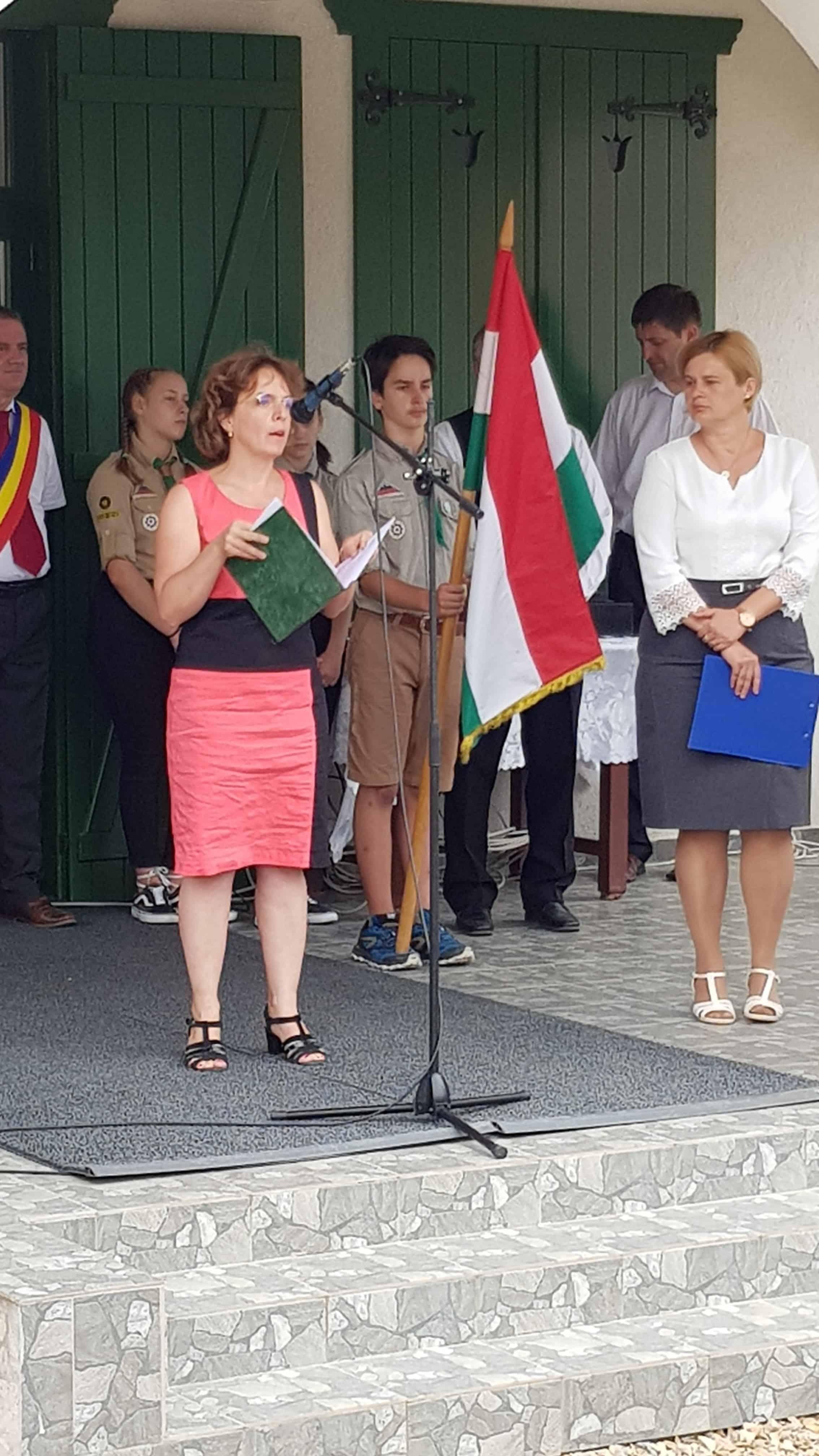 Demeter Stefánia Katalin konzul