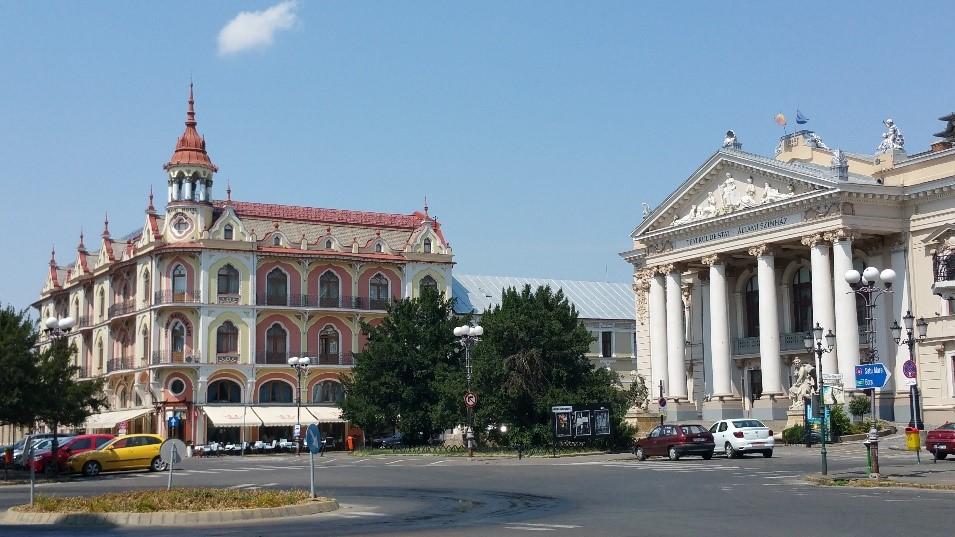 Az egykori EMKE kávéház és az Állami Színház